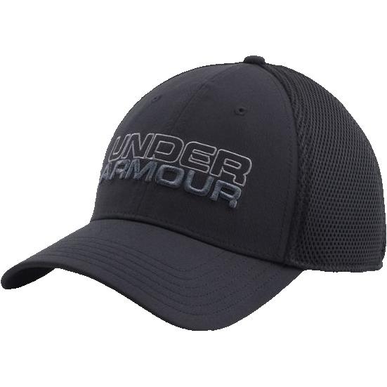 Бейсболка Under Armour Under ArmourБейсболки / Кепки<br>Бейсболка Under Armour. Выполнена из прочного текстиля с технологией HEATGEAR, которая максимально пропускает воздух, что позволяет испарять влагу с поверхности тела быстро и эффективно. Над козырьком вышивка с логотипом бренда. Материал: полиэстер.<br><br>Размер INT: L/XL