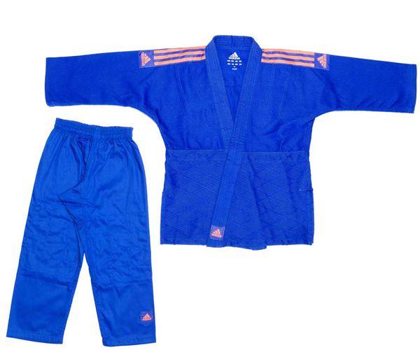 Кимоно для дзюдо Club синее с оранжевыми полосками AdidasЭкипировка для Дзюдо<br>Кимоно для дзюдо adidas Club Синее J350.  Тренировочная кимоно для дзюдо adidas Club - это универсальноекимоно средней плотности весом 350 gs/m2. Сделано из смеси полиэстера и хлопка. Хлопковые волокна, укрепленные полиэфирными нитями, обладают повышенной прочностью и лучше выводят влагу. Таким образом, кимоно дольше служит. Подходит для детей и начинающих спортсменов. Состав ткани: 60% хлопок, 40% полиэстер. Детали: брюки на резинке+кулиска. *Кимоно идет без пояса. Пояс продается отдельно. Тренировочное кимоно. Плотная, гибкая и прочная ткань. Плотность 350 gm/m2. Усиленные места в областях с высокой нагрузкой. Пояс на штанах на резинке +кулиска. Три черных полоски на плечах. Материал: 60% хлопок, 40% полиэстер<br><br>Размер: 150 см