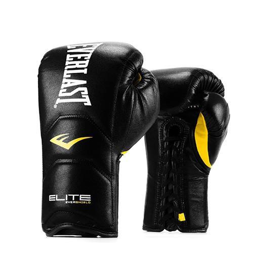 Перчатки тренировочные Everlast Elite Pro на шнуровке, Black/Black, 18 oz EverlastБоксерские перчатки<br>Тренировочные перчатки Elite Pro выполнены в революционном дизайне, который воплотил в себе анатомически правильную внутреннюю форму, способствующую естественному диапазону движения и оптимальному расположению кулаков. Разработан с использованием технологии Evershield для стабилизации и защиты рук и запястья во время интенсивного спарринга, работы с мешком и лапами. Форма цельной конструкции была спроектирована так, чтобы действовать как естественное продолжение вашей руки. Изготовлены с сочетанием многослойной пены и невероятно прочными передовыми композитными микроволокнами для долговечности.<br>