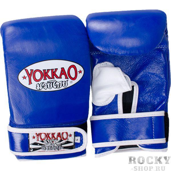 Перчатки-битки Yokkao, S YokkaoCнарядные перчатки<br>Снарядные перчатки Yokkao. Yokkao - один из лидеров по производству экипировки для тайского бокса. Классические боксерские перчатки-битки. Перчатки очень удобно сидят. Усиленная отстрочка швов. Данные перчатки выполнены из кожи КРС. Запястье фиксируется манжетой. Сделаны вручную в Таиланде.<br><br>Размер: S