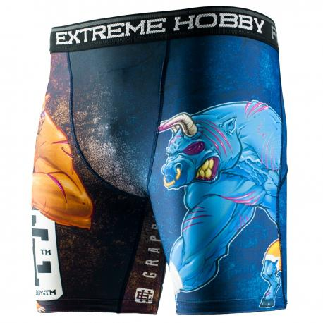 Шорты вале тудо bull &amp; bear Extreme HobbyКомпрессионные штаны / шорты<br>Шорты изготовлены из высококачественного материала. Влагоотводящий материал позволяет оставаться телу сухим, а мышцы разогретыми. Рисунок нанесен по системе сублимации. Эластичная резинка на поясе предотвращает от соскальзывания во время боя.<br><br>Размер INT: M