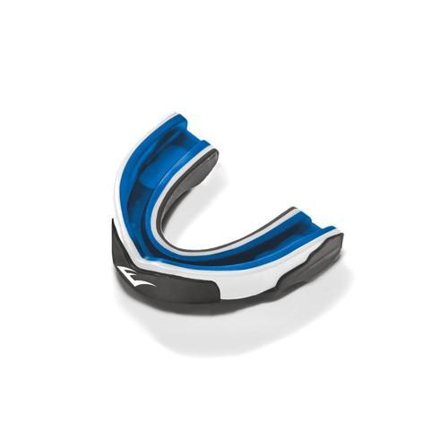 Капа Everlast гелевая 1-челюстная, серо/бело/синяя EverlastБоксерские капы<br>Evergel Mouthguard - трёхслойная капа с максимальной степенью защиты. Помимо твёрдого наружного слоя и амортизирующей подушки из пены, эта капа с внутренней стороны усилена прослойкой геля Evergel, который используется в профессиональных моделях перчаток для эффективной защиты от травм. Капа термопластична и после варки приобретает индивидуальную, анатомически выверенную форму. В комплект покупки входит стерильный кейс для хранения.<br>