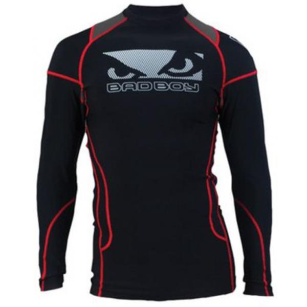 Рашгард Bad Boy L-S Compression Performance Black Bad BoyРашгарды<br>Рашгард обеспечивает идеальную компрессию и поддерживает мышцы в тепле. Отлично подходят для тренировок. Удобные, обеспечивают комфорт.- Узкий 1/4 воротник;- Длинные рукава;- Bad Boy логотипы спереди, сзади, а также на рукавах;- Сетка на задней части;- Влагопоглощающая технология;- Прочные швы;- Анатомическая посадка;- Состав: 80% нейлон, 20% лайкра.<br>
