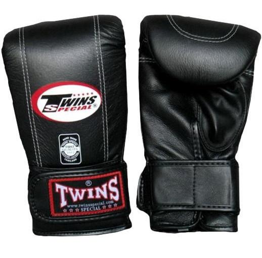 Перчатки снарядные на липучке, Размер M Twins SpecialCнарядные перчатки<br>Застёжка липучка гарантирует надёжное крепление на запястье<br> Закрытый большой палец<br> Подкладка из влагоотводящей искусственной ткани<br> Натуральная кожа топового качества<br> Ручная работа<br><br>Цвет: Черный