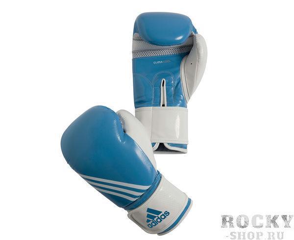 Перчатки боксерские Fitness, 8 унций AdidasБоксерские перчатки<br>Перчатки боксерские adidas Fitness голубовато-белые. Тренировочные боксерские перчатки на липучке. Полиуретан по технологии PU3G INNOVATION.  Композитный литой вкладыш из пены высокого давления. Усиленная защита большого пальца, ладони, уcиление ударной зоны. Специальная жесткая манжета для защиты кисти.<br>