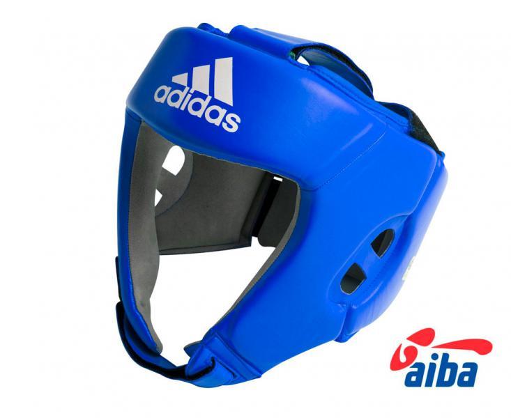 Шлем боксерский для соревнований, Синий AdidasБоксерские шлемы<br>Шлем боксерский cо знаком AIBA. <br> Оригинальная конструкция обеспечивает удобное ношение<br> Сертифицирован AIBA<br> Застёжка - липучка<br> Материал - натуральная кожа<br><br>Цвет: L