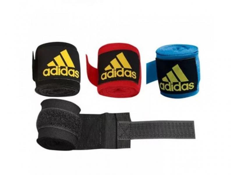 Бинт боксерский, 4,5 м AdidasБоксерские бинты<br>Эластичный боксёрский бинт на липучке. <br><br> Ширина 5 см<br> Длина 4,5 метра<br> Крепление на липучке<br> Эластичный материал обеспечивает максимальную фиксацию<br><br>Цвет: Синий