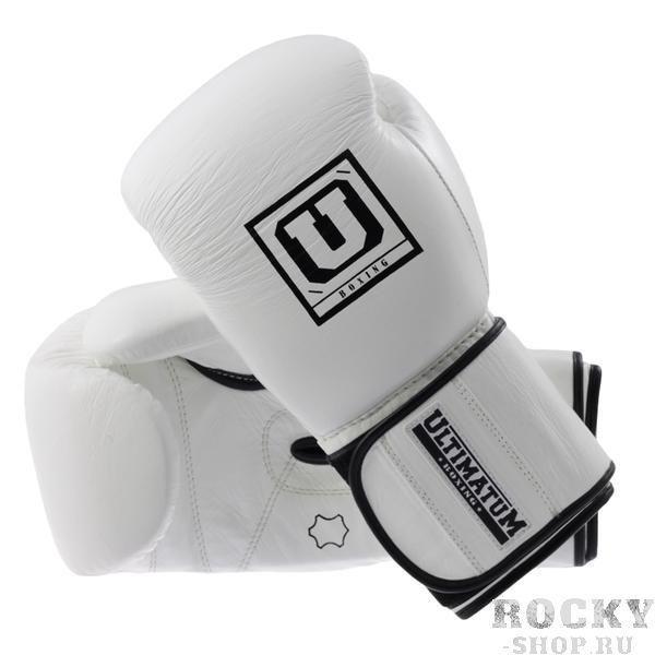 Тренировочные перчатки Gen3WhiteForce, 14 oz UltimatumBoxingБоксерские перчатки<br>Профессиональные тренировочные перчатки премиального уровня на липучке, вобравшие в себя опыт первых двух поколений перчаток Ultimatum Boxing. Теперь они обрели удлиненную манжету и замок-липучку шириной 10 см для более плотной фиксации запястного сустава и сохранили непревзойденное чувство удара. За счет использования обновленной ударопоглощающей системы Inner Force G-Nano, перчатки стали заметно мягче, не утратив своих ударопоглощающих свойств.БезопасностьВысокотехнологичная набивка InnerForce G-Nano– разработана специально для перчаток Ultimatum Boxing в отличие от абсолютного большинства марок, использующих материалы широкого спектра применения. Ударопоглощающие свойства рассчитаны на безопасное использование профессиональными боксерами элитного уровня.Совершенная конструкция– позволяет достичь максимально плотного и анатомически правильного комфортного хвата. А равномерное распределение ударопоглощающего наполнителя в том числе в области запястья обеспечивает высочайшую эффективность при работе в защите.Эффективная защита большого пальца– отдел для большого пальца позволяет без усилий и дискомфорта придать ему анатомически правильное положение относительно кулака, завершая концепцию плотного и безопасного хвата. Защита со стороны ударной части перчатки эффективно защищает большой палец от травм при нанесении неточных или скользящих ударов.Идеальная фиксация запястья– конструкция запястной части перчатки в сочетании с манжетой шириной 10 см исключает риск подворота кулака при нанесении удара под острыми углами.КомфортПлотный естественный хват– легкое дожатие кулака и анатомически правильный плотный хват благодаря продуманной конструкции и верному расположению оси сжатия.Превосходное чувство удара– идеальное чувство удара/контакта с поверхностью не смотря на высокую степень защиты и толщину ударопоглощающего наполнителя 4 см.Эффективное отведение влаги– материал подкладки обладает 