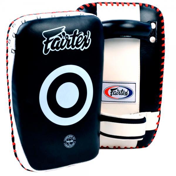 Укороченные тайские пады от Fairtex FairtexЛапы и макивары<br>Укороченные тайские пады от Fairtex. Преимущества:- эргономичный дизайн, который облегает руки тренера, позволяет ему не терять равновесие и не уставать во время тренировки- мягкие и гибкие начиная с первого использования- особенно подходят для подростков, женщин и начинающих спортсменов- цена указана за пару!<br>