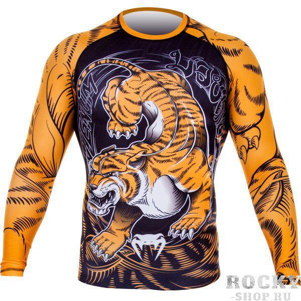 Рашгард Venum Tiger Rash Guard - Long Sleeves - Black/Orange VenumРашгарды<br>Рашгард Venum Tiger Rash Guard - Long Sleeves - Black/Orange разработан с использованием новейших технологий. Оденьте его, и пробудите зверя, сидящего глубоко внутри вас. Изображение тигра-людоеда выполнено в тайском стиле, а материал, на который оно нанесено тянется в четырех направлениях, и позволит вам не стесняться в движениях. Благодаря прочному и высокотехнологичному волокну из спандекса, ваш рашгард никогда не потеряет свою форму, даже после интенсивных тренировок. Он великолепно подойдет не только для тренировок по грепплингу, ноу-ги бжж или любому другому виду борьбы, но и в дисциплинах, где используется только стойка из-за великолепных компрессионных свойств, которые ускоряют процесс мышечного разогрева и минимизируют риск получения травм. Рашгард Venum Tiger Rash Guard позволит почувствовать себя диким животным - гибким и свирепым. Станьте лучше. Станьте зверем. Характеристики:• Состав 87% полиестер / 13% спандекс с анти-бактериальной технологией, предотвращающий развитие бактерий• Технология компрессии - улучшает приток крови к работающим мышцам, ускоряя время их восстановления• Прочная ткань, тянущаяся в четырех направлениях - неограниченный срок службы• Сублимированная графика - не сотрется и не выцветет• Усиленный шов• Специальная резиновая полоска, которая фиксирует рашгард на вашем теле и не позволяет ему задиратьсяАнтимикробные свойства ткани защитят вас от неприятных запаховPerun-shop. ru – интернет магазин предлагает посмотреть каталог рашгардов Venum. Мы поможем Вам определиться с выбором рашгардов. Все модели есть в наличии, а также у нас есть специальные предложения на термобелье . Оформляйте онлайн заказ через сайт или по телефону 8 (495) 490-74-74. Если вы не можете определиться какие рашгарды купить, присмотритесь к рашгардам Venum. Рашгард Venum Tiger Rash Guard - Long Sleeves - Black/Orange - пробуди в себе зверя. Магазин Perun-shop. ru доставит ваш заказ или оф