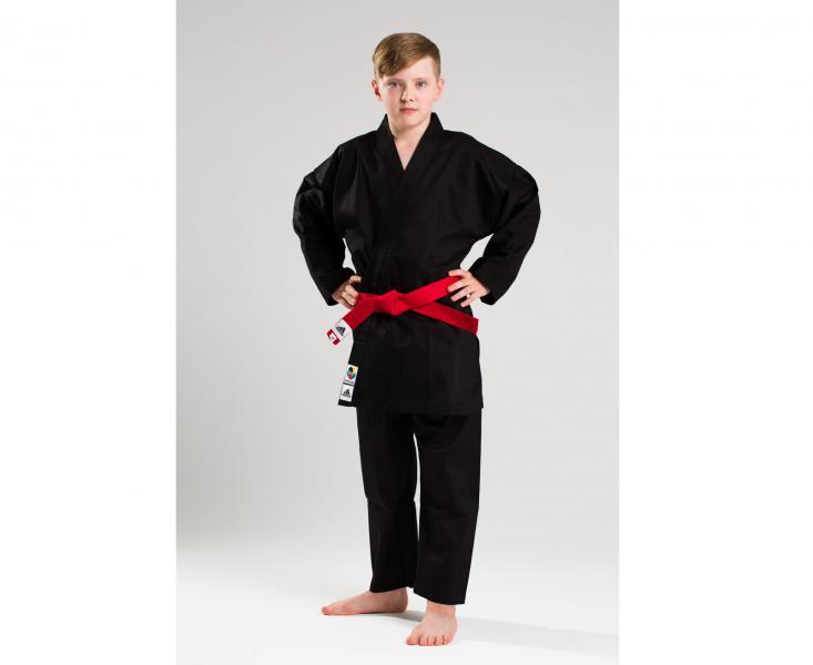 Кимоно для карате Club Black WKF, черное AdidasЭкипировка для Каратэ<br>Кимоно для карате от adidas. Идеально подходит как для каты, так и для кумитэ. Одобренно WKF(Word Karate Federation)Лёгкая, гибкая и прочная ткань. Брюки с эластичным поясом. Материал: 60%-хлопок, 40%- полиэстер. Кимоно идет без пояса. Пояс продается отдельно. *Большинство наших клиентов выбирают кимоно/добок на 5-10 см больше, чем их рост. (Если Ваш рост 120-125 см, то Ваш размер кимоно/добок 130см)<br><br>Размер: 140 см