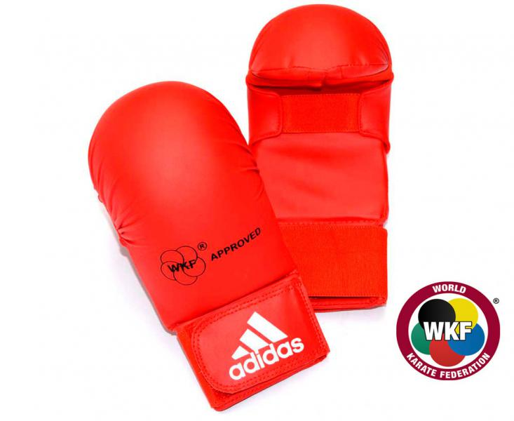 Накладки для карате WKF Bigger красные, красные AdidasЭкипировка для Каратэ<br>Накладки для карате WKF Bigger красные     Одобрено WKF  Одобрено CE  Инжекционный литой вкладыш  Материал: PU3G<br><br>Размер: XS