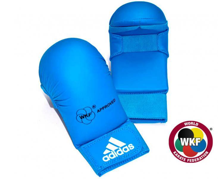 Накладки для карате WKF Bigger синие, синие AdidasЭкипировка для Каратэ<br>Накладки для карате WKF Bigger синие adidas    Одобрено WKF   Одобрено CE   Инжекционный литой вкладыш   Материал: PU3G<br><br>Размер: L