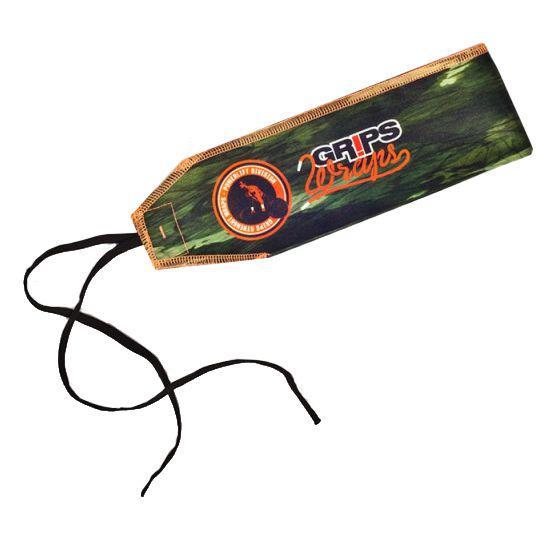 Бинты для запястий Grips Snake Camo Grips AthleticsАксессуары для фитнеса<br>Бинты для запястий Grips Snake Camo. Предназначены для предупреждения травм лучезапястных суставов во время тренировок. Бинты для кистей можно использовать при работе со штангой, гирей, брусьях, турниках и т. д. Продаются парой.<br>
