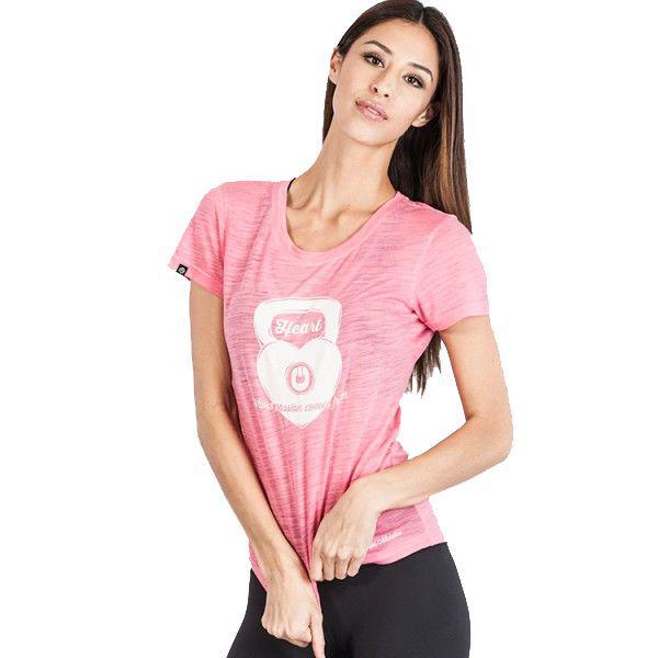 Женская футболка Grips Kettleheart Grips AthleticsФутболки / Майки / Поло<br>Женская тренировочная футболка Grips Kettleheart Pink.Эта майка сделана на основе последних технологических достижений. Стретчевый материал не сковывает движения и обеспечивает комфорт во время тренировок любого уровня интенсивности.Легкая ткань из полиэстера.Специальная конструкция обеспечивает комфорт для Вашей кожи. Майка впитывает пот, благодаря чему Ваше тело остается достаточно свежим во время тренировок.Состав:100% полиэстер.<br>
