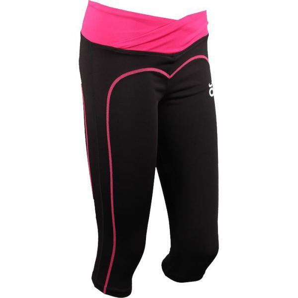 Женские капри Jaco Jaco ClothingКомпрессионные штаны / шорты<br>Женские тренировочные капри Jaco CrossCut. Разработаны для занятий такими видами спорта как функциональный тренинг (Кросс-фит), бег, работа с железом, фитнес!На талии штаны(капри) хорошо сидят благодаря достаточно широкому эластичному поясу. Покрывают капри бёдра и часть икр. Контрастный обратный шов позолит подчекнуть все достоинства женской атлетичной фигуры. состав: нейлон, спандекс. Уход: Машинная стирка в холодной воде, деликатный отжим, не отбеливать.<br><br>Размер INT: S