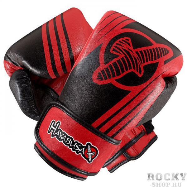 Боксерские перчатки Hayabusa Ikusa Recast Black/Red, 16 oz HayabusaБоксерские перчатки<br>Боксерские перчатки Hayabusa Ikusa Recast 16oz.Перчатки от Hayabusa серии Ikusa Recast были спроектированы специально таким образом, чтобы дарить Вам удовольствие от каждой тренировки, спарринга.Разработаны, что бы минимизировать травматизм во время спаррингов.Внешняя часть перчаток - кожа последнего поколения, которая в ходе проведенных испытаний показала свою крайнюю эффективность и выносливость.Запатентованная система закрытия и система фиксации руки гарантируют прекрасное выравнивание руки/запястья.Специально разработанная подкладка обеспечивает непревзойденный комфорт и качество.Боксерские перчатки Hayabusa Ikusa Recast подходят как для спаррингов, так и для работы на снарядах.<br>