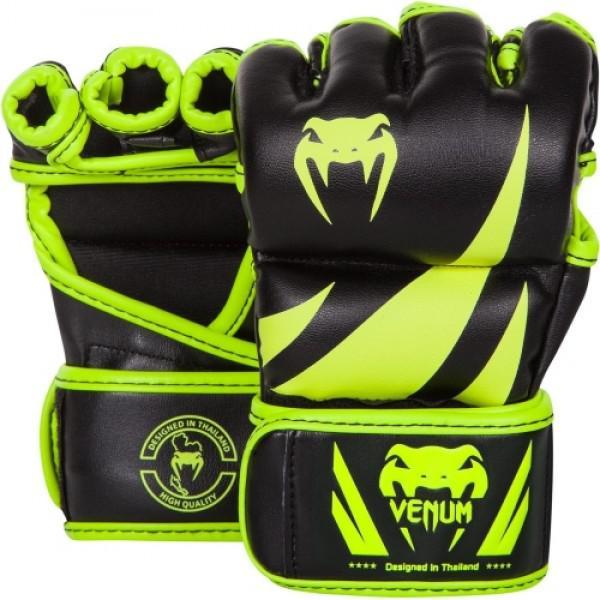 Перчатки ММА Venum Challenger - Neo Yellow/Black VenumПерчатки MMA<br>Исключительное качество по доступной цене - это про&amp;nbsp;Перчатки ММА&amp;nbsp;Venum Challenger -&amp;nbsp;Neo Yellow/Black. Разработаны в Тайланде, внешний слой из полиуретана, подойдут как для тренировок, так и соревнований. Двойная застежка обеспечивает легкий доступ и идеальную посадку, гарантируя комфорт и безопасность. Широкий кожаный ремень с липучкой предотвращает риск возникновения травмы запястья. Внутренний слой пены высокой плотности предлагает широкий спектр защиты. Каждый палец усилен. Особенности:- 4 унции- Внешний слой из полиуретана- Многослойная пена высокой плотности<br><br>Цвет: L/XL