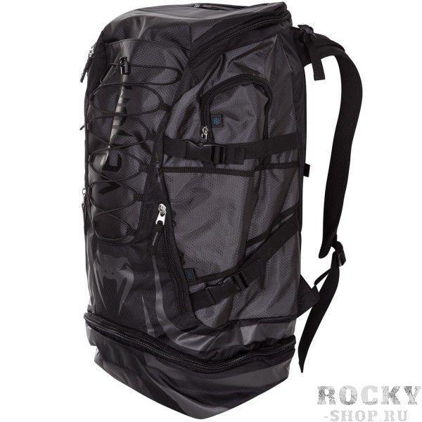Рюкзак Venum Challenger Xtreme Back Pack - Black/Black VenumСпортивные сумки и рюкзаки<br>Venum Challenger Xtreme Back Pack -Black/Black- не просто рюкзак, это незаменимый спутник любого спортсмена, способный вместить в себя огромное количество одежды и самой габаритной экипировки. Просто закиньте в него все, что у вас есть и отправляйтесь на тренировку. Обратный путь же станет гораздо приятнее, так как ваши вещи будут проветриваться через специальные сетчатые вставки, что препятствует возникновению неприятного запаха и размножению бактерий. Термо-карман сохранит свежесть вашего напитка и сделает его достойной наградой после тяжелой тренировки. Рюкзак оснащен удобными боковыми карманами, флис-карманом, который не позволит вашему мобильному телефону поцарапаться, а также скрытым карманом для мп3-плеера с выводом под наушники. Плечевые ремни регулируются, а в сочетании с эргономичной формой спинки рюкзака снимают нагрузку со спины и плечей. Особенности:Водонепроницаемая тканьБольшое отделение для крупногабаритной экипировкиОбладает дополнительным отделением, которое увеличивает общий размерБоковые карманыФлисовый карман охраняет ваш телефон от царапинСетчатые панелиРегулируемые плечевые ремниРазмер: 350x630x240 сложенный и 350х880х240 разложенныйОбъем: 45 л сложенный и 63 л разложенный<br>