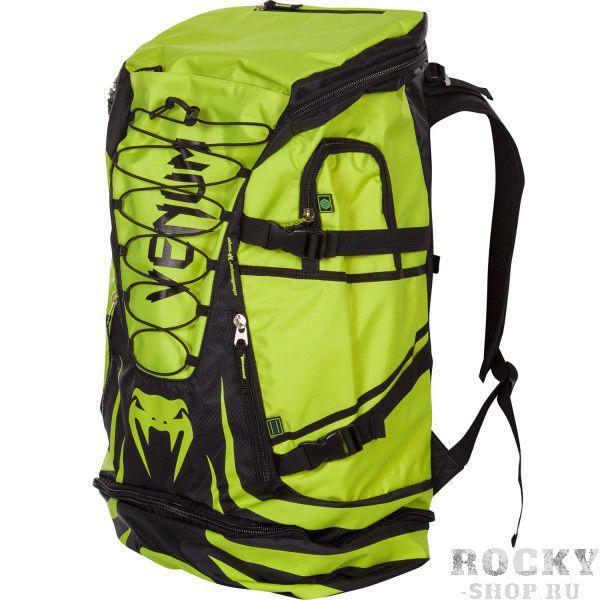 Рюкзак Venum Challenger Xtreme Back Pack - Black/Yellow VenumСпортивные сумки и рюкзаки<br>Venum Challenger Xtreme Back Pack -Black/Yellow- не просто рюкзак, это незаменимый спутник любого спортсмена, способный вместить в себя огромное количество одежды и самой габаритной экипировки. Просто закиньте в него все, что у вас есть и отправляйтесь на тренировку. Обратный путь же станет гораздо приятнее, так как ваши вещи будут проветриваться через специальные сетчатые вставки, что препятствует возникновению неприятного запаха и размножению бактерий. Термо-карман сохранит свежесть вашего напитка и сделает его достойной наградой после тяжелой тренировки. Рюкзак оснащен удобными боковыми карманами, флис-карманом, который не позволит вашему мобильному телефону поцарапаться, а также скрытым карманом для мп3-плеера с выводом под наушники. Плечевые ремни регулируются, а в сочетании с эргономичной формой спинки рюкзака снимают нагрузку со спины и плечей. Особенности:Водонепроницаемая тканьБольшое отделение для крупногабаритной экипировкиОбладает дополнительным отделением, которое увеличивает общий размерБоковые карманыФлисовый карман охраняет ваш телефон от царапинСетчатые панелиРегулируемые плечевые ремниРазмер: 350x630x240 сложенный и 350х880х240 разложенныйОбъем: 45 л сложенный и 63 л разложенный<br>
