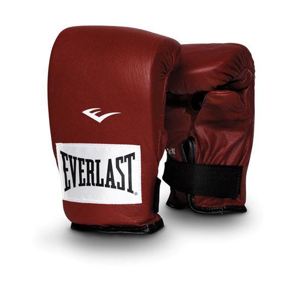 Перчатки снарядные профессиональные Everlast, L EverlastCнарядные перчатки<br>Каждая пара снарядных перчаток для работы на тяжелых мешках сделана из кожи высшего качества и оснащена удобной застежкой. Плотный пенный наполнитель и вес идеальны для работы на мешке. Хлопковый антимикробный лайнер для комфорта руки внутри перчатки.<br><br>Цвет: Красный