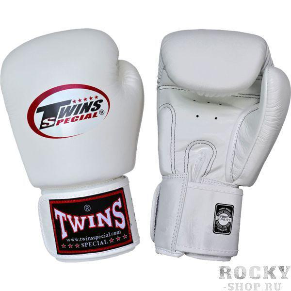 Детские боксерские перчатки Twins Special, 4 OZ Twins SpecialБоксерские перчатки<br>Детские классические перчатки Twins Special.Отличный тренировочный вариант для самых маленьких бойцов.Ремень-липучка обеспечивает хороший обхват руки.Очень удобная посадка кулака.Внешняя часть перчаток- 100% кожа!Производство: «TWINS SPECIAL» - Таиланд.Вес перчаток(пара): S=290гр., M=310гр., L=330гр.<br>