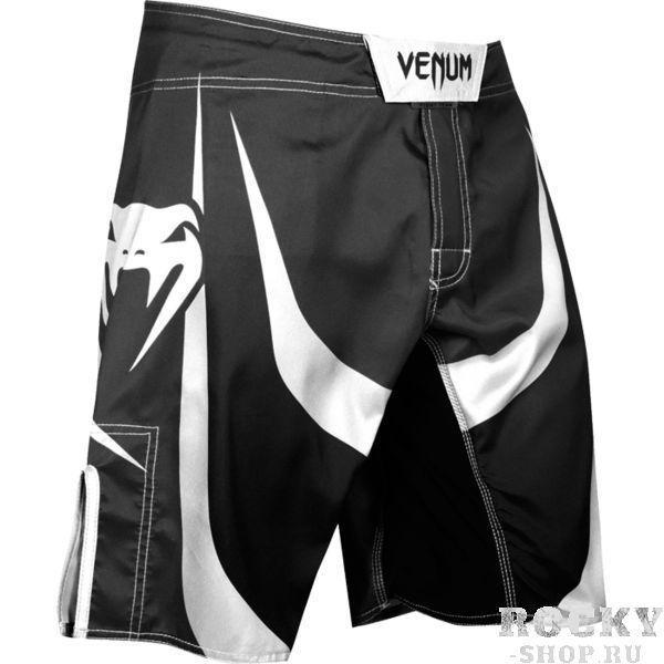 ММА шорты Venum Predator VenumШорты ММА<br>ММА шорты Venum Predator. При разработке шорт был учтен весь богатый научный опыт VENUM по созданию бойцовской экипировки ( одежды ММА ). Минималистичный, но при этом жёсткий дизайн. Идеально подходят и для тренеровочного процесса, и для соревнований даже самого высокого уровня. Материал, использованный для создания бойцовских шорт Venum - это 100% высококачественная легка микрофибра ( полиэстер ). Шорты мма venum очень легкие, но при этом прочные. Благодаря тянущимися материалу, эластичной вставке и боковым разрезам мма шорты Venum не создают никакого дискомфорта бойцу ни в стойке, ни в партере. Крепятся шорты на поясе с помощью липучки и встроенного в пояс шнурка. Рисунок полностью сублимирован в ткань. он не потрескается и не сотрется!Уход: машинная стирка в холодной воде, деликатный отжим, не отбеливать. Состав: 100% полиэстер.<br><br>Размер INT: S