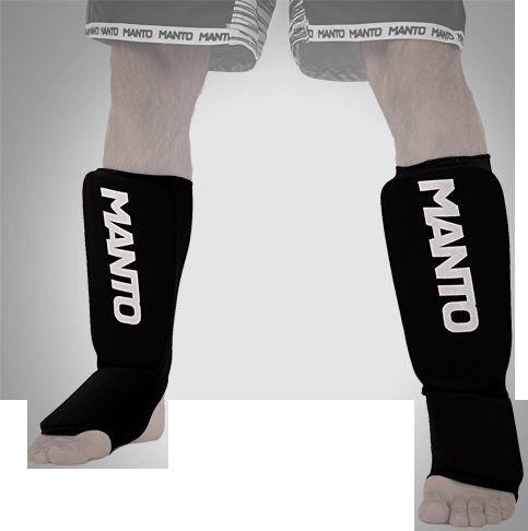 Шингарды (накладки на ноги) Manto, Черные MantoЗащита тела<br>Шингарды (накладки на ноги) Manto. Основные достоинства данной защиты ног: они лёгкие и не занимают много места. Отлично подойдут и для тренировок новичков, и для выступления на любительских соревнованиях.<br><br>Размер: XL