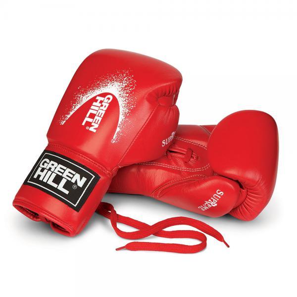 Боксерские перчатки W5 SUPREME, кожа, 10 oz Green HillБоксерские перчатки<br>Перчатки Green Hill Supreme, изготовлены из натуральной кожи и разработаны специально для Кикбоксинга. Высокотехнологичная вставка сделана таким образом, что принимает форму руки спортсмена, обеспечивая максимальный комфорт и позволяет чувствовать удар. Идеально подходят для тренировок и спарингов.<br><br>Цвет: черные с белым