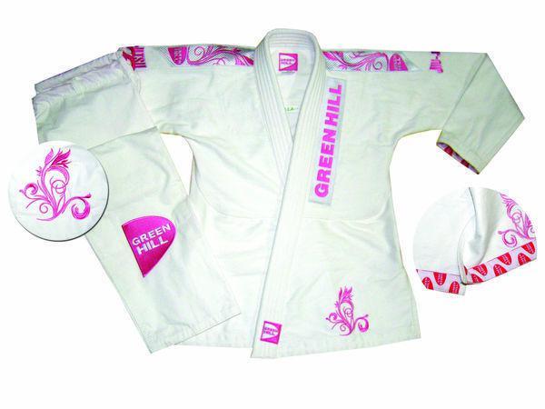 Женское кимоно джиу-джитсу women ela, Белый Green HillЭкипировка для Джиу-джитсу<br>Материал: ХлопокВиды спорта: Джиу-джитсуКимоно для джиу-джитсу. Отлично подходит для ежедневных тренировок. Материал: 100% хлопокКомпания Green Hill производит лучшие кимоно для джиу-джитсу по всему миру. Среди многих кимоно для джиу-джитсу, конструкции костюмов Green Hill, приобрели огромную популярность в бразильском джиу джитсу. В комплект входит:- куртка,- брюки. РазмерыF1 (штаны длина 75 см, объем 90 см; длина рукава 51 см, длина куртки до ворота 63 см)F2 (штаны длина 81 см, объем 94 см; длина рукава 54 см, длина куртки до ворота 65 см)F3 (штаны длина 89 см, объем 98 см; длина рукава 58 см, длина куртки до ворота 68 см)F4 (штаны длина 90 см, объем 106 см; длина рукава 60 см, длина куртки до ворота 72 см)<br><br>Размер: F3