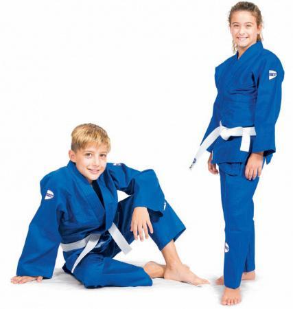 Кимоно для дзюдо JUNIOR, синее, 100 см  Green HillЭкипировка для Дзюдо<br>Материал: ХлопокВиды спорта: ДзюдоДля юных спортсменов. Состав:100% хлопок. Кимоно специально разработано для тренировок юношей. Куртка усилена двойными швами на плечах, рукавах и груди. На плечах имеется пространство для нашивки национального флага страны. Логотип Greenhill нашит на поясе, нижней части куртки и верхней части рукавов. Брюки пошиты из высококачественного 100% хлопкового материала, резиновый пояс, шнуровка. В комплект включен пояс для куртки. Возможная усадка после стирки-5%. Плотность 350гм2<br><br>Цвет: Синий