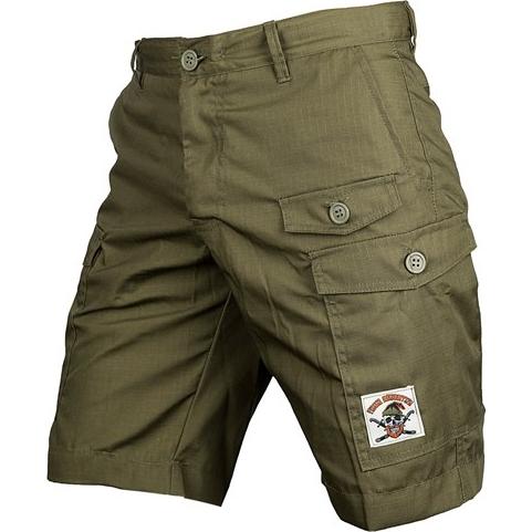 Шорты-карго Варгградъ Зелёные ВаргградСпортивные штаны и шорты<br>Шорты карго Варгградъ Зелёные. На шортах расположено множество карманов. Уход: машинная стирка в холодной воде, деликатный отжим, не отбеливать.<br><br>Размер INT: L
