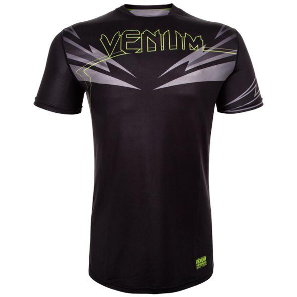 Тренировочная футболка Venum SHARP 3.0 VenumФутболки<br>Тренировочная футболка Venum SHARP 3. 0. Новая футболка Sharp от VENUM специально создана для того, чтобы сражаться не только против спарринг-партнера, но и против природных явлений. Стретчевый материал не сковывает движения и обеспечивает комфорт во время тренировок любого уровня интенсивности. Неважно, какая погода на улице – она не помешает Вам сфокусироваться на тренировке. Легкая ткань из полиэстера и эластана, а также сетчатые панели позволяют Вам сохнуть быстрее. Специальная бесшовная конструкция обеспечивает комфорт для Вашей кожи. Система Dry Tech впитывает пот, благодаря чему Ваше тело остается свежим во время тренировок Рисунки сублимированы в ткань. Состав: 100% полиэстер.<br><br>Размер INT: XL