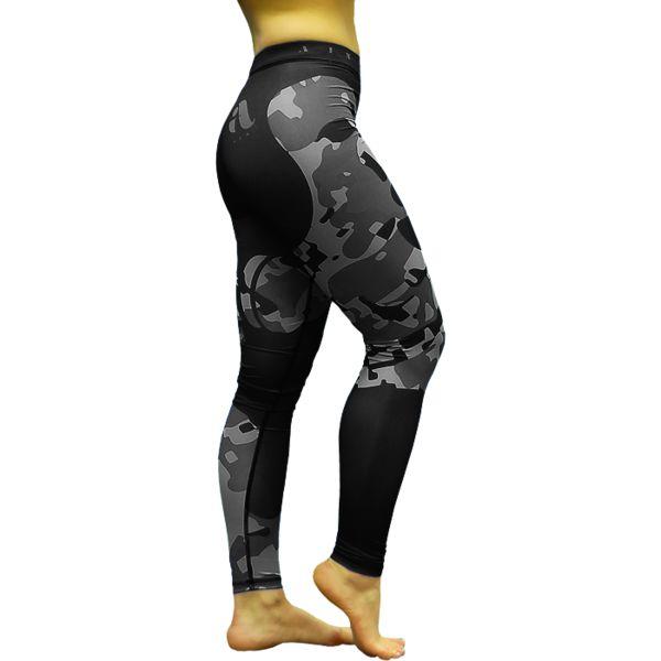 Компрессионные штаны Aim Military Uniqueness Skin AimКомпрессионные штаны / шорты<br>Женские компрессионные штаны Aim Military Uniqueness Skin. Комфорт для занятий, легкость в уходе, красивый спортивный образ, уникальный стиль. Используйте штаны Aim при занятиях любым видом спорта - фитнес, единоборства, легкая и тяжелая атлетика, бег, crossfit, футбол, волейбол, и многие другие. Вам будет комфортно заниматься йогой, растяжкой, питатесом, танцами. Несколько слов о материале компрессионных штанов Aim из линейки Military Uniqueness Skin: выполнены они из бифлекса. Эластичный стрейч-материал синтетического происхождения может не только растягиваться, увеличиваясь в 3 раза, но и хорошо впитывать влагу. Главные преимущества ткани: - отличное отведение влаги; - эластичность; - мягкость; - прочность и износостойкость; - свобода движений; - не требует особого ухода; - отлично подчеркивает фигуру; - не выгорает на солнце; - не мнется; - быстро сохнет; - долго сохраняет первоначальный вид. Уход: Машинная стирка в холодной воде, деликатный отжим, не отбеливать! Состав: полиэстер, эластан.<br><br>Размер INT: XS