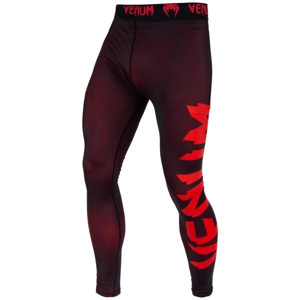 Компрессионные штаны Venum Giant Black/Red VenumКомпрессионные штаны / шорты<br>Испытайте компрессионные штаны Venum Giant - Black/Red, и Вы получите достойную компрессию и поддержку мышц . Обеспечат максимальную производительность, сохраняя тепло тела до, во время и после тренировки. Компрессионная технология в совокупности с анатомическим дизайном, позволяет этим штанам обтекать ваше тело, поддерживая Ваши группы мыщц, что делает их идеальным базовым слоем. Сделаны из ультра-легкой ткани Dry Tech, которая с легкостью выводит влагу, даже во время очень жарких тренировок. Особенности:- компрессионная технология Venum: создает зону оптимального давления на мышцы, что заставит дольше тренироваться и позволит быстрее восстанавливаться- ткань тянется в 4х направлениях: гарантирует полный диапазон движений- технология Dry Tech: выводит влагу, оставляя Вас сухим- эргономичные швы и комфортный пояс на талии- супер-мягкий и прочный материал для непревзойденного комфорта<br><br>Размер INT: S