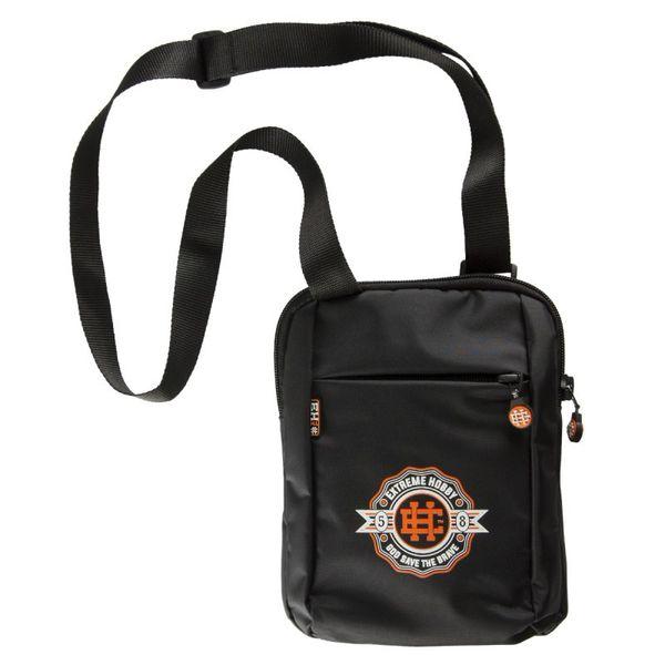 Наплечная сумка rosette Extreme HobbyСпортивные сумки и рюкзаки<br>Материал: 100% полиэстер- Двухкамерная сумка с регулируемым ремешком- Печатный логотип на передней панели- Удобные замкиРазмеры: 25x18 см<br>КОЛЛЕКЦИЯ: 58 BASIC<br>ЦВЕТ: ЧЕРНЫЙ<br>МАТЕРИАЛ: 100% ПОЛИЭСТЕР<br><br>Размер: Универсальныйразмер