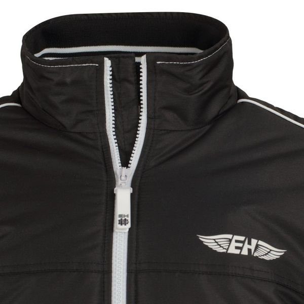 Куртка raven черный Extreme HobbyКуртки / ветровки<br>Зимняя куртка EXTREME HOBBY RAVEN. Прекрасная защита от ненастной погоды. Благодаря внутреннему наполнителю хорошо сохраняет тепло. RAVEN– это легкая куртка спортивного кроя. Модель оснащена эластичными манжетами и двумя внутренними карманами на молнии. Материал: 100% полиэстер.<br><br>Размер INT: XXL