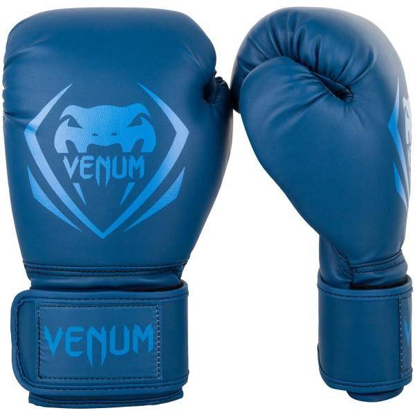 Перчатки боксерские Venum Contender Navy/Navy , 10 oz VenumБоксерские перчатки<br>Перчатки боксерские Venum Contender - Navy/Navy выдержат любой мощный удар, будь то джеб, кросс, хук или апперкот. Сделаны из 100% синтетической кожи с высоким сроком службы. Их изогнутая анатомическая форма обеспечивает гибкость и комфорт. Многослойный пенный наполнитель с легкостью поглащает все удары. Большая надежная застежка на липучке дает надежную фиксацию запястья, минимизируя риск возникновения травмы на тренировках. Отработка, спарринг, работа на мешках или лапах - боксерские перчаткиVenum Contender непременно приведут Вас к успеху!Особенности:- 100% синтетическая кожа с высоким сроком службы- многослойная пена для идеального поглощения ударов- широкая застежка на липучке для надежной фиксации запястья- большой палец полностью закреплен, что не дает его выбить<br>