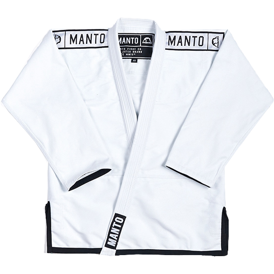 Кимоно для БЖЖ Manto AKO MantoЭкипировка для Джиу-джитсу<br>Кимоно (ги) для бжж (бразильского джиу-джицу) Manto AKO. Достаточно плотное ги. Благодаря высокому качеству материалов и отделки это кимоно становится идеальным выбором для тренировок по BJJ. - Плотность 550 GSM - В области колен штаны дополнительно укреплены. - Воротник, наполнен пеной ЕВА для более быстрого высыхания и комфорта. Подойдет для тренировок различного уровня. Ги сделано из цельного куска ткани (без швов на спине)! Штаны на шнурке; на поясе - дополнительные петли для того, чтобы шнурок держал штаны прочно; данное ги подойдет и для новичков, и для мастеров роллинга. При стирке в горячей воде возможна усадка порядка 5%. Стирать ги рекомендуется в мягкой воде до 30 градусов без отбеливателя. Состав: 100% хлопок высокого качества.<br><br>Размер: A1