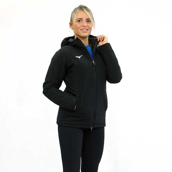 Женская куртка MIZUNO 32EE7700 09 PADDED JACKET (W) MizunoКуртки / ветровки<br>•Женская куртка от японского бренда Mizuno для пробежек в прохладную погоду выполнена из 100%-ного полиэстера. •Синтетический материал обладает влаговыводящими свойствами, воздухопроницаемостью и повышенной прочностью. •Куртка дополнена капюшоном, внутренним кармашком на молнии и двумя боковыми карманами.<br><br>Размер INT: XL