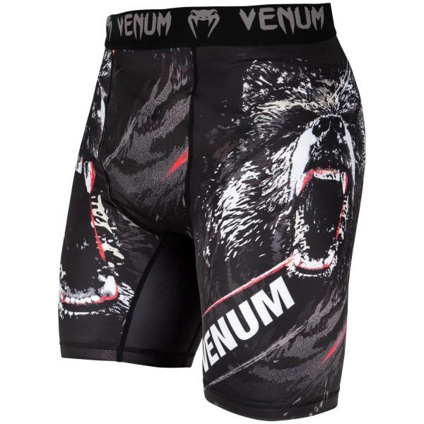 Компрессионные шорты Venum Grizzli Black/White  VenumКомпрессионные штаны / шорты<br>С Компрессионными шортами Venum Grizzli разбудите в себе силу свирепого медведя. Состав - 87% полиэстер и 13% эластанСделано в Китае.<br><br>Размер INT: L