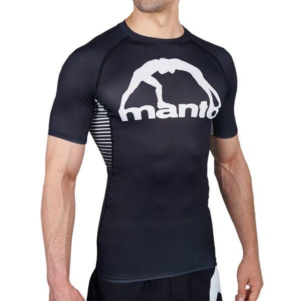 Рашгард Manto Logo Black/White MantoРашгарды<br>Рашгард Manto Logo Black/White. Рашгард Манто очень высокого качества(как всегда у Manto). Не создает дискомфорта во время тренировки. Ткань рашгарда достаточно сильно тянется. Рашгарды Manto подходят и для контактные видов спорта, и для кроссфита, для занятий в тренажерном зале, для тренировок и в спортивном клубе, и на улице! Рашгард хорошо сядет и на плотную фигуру, и на достаточно худощавого бойца. Рисунок полностью сублимирован в ткань. А это значит- рисунок не сотрется и не поблекнет после стирок. Короткий рукав рашгарда обеспечит масксимальную свободу рукам во время тренировок. Состав: 82% полиэстер, 18% эластан.<br><br>Размер INT: M