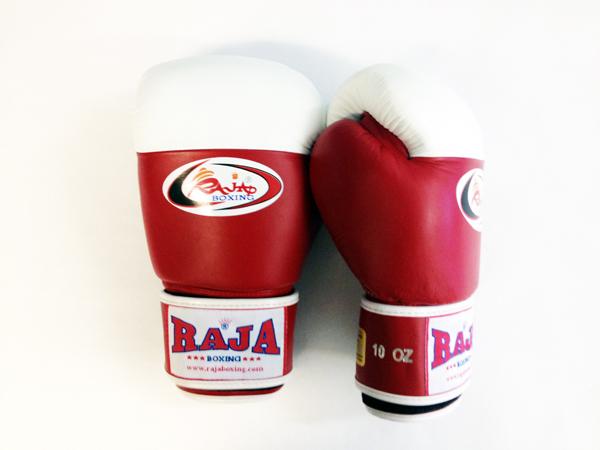 Перчатки боксерские соревновательные, липучка, 8 унций RajaБоксерские перчатки<br>Как правило, используют в международном боксе. <br> Они располагают белый кончик, чтобы помочь судье тренировочного боя. <br> Отличное исполнение.<br><br>Цвет: красный/белый