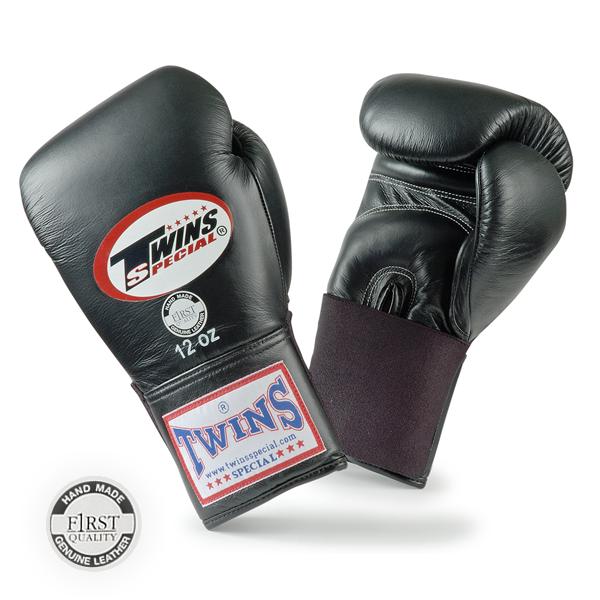 Перчатки боксерские тренировочные на резинке, 10 унций Twins SpecialБоксерские перчатки<br>Материал – 100% кожа наивысшего качества<br> Крепление - резинка<br> Идеальное соотношение цена – качество<br> Ручная работа<br><br>Цвет: Черный