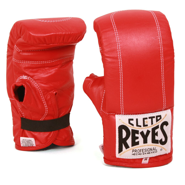 Перчатки снарядные на резинке, Размер S Cleto ReyesCнарядные перчатки<br>Изготовлены из 100% кожи с подкладкой из водонепроницаемого нейлона<br> Наполнитель из латексной пены<br> Эластичная манжета<br><br>Цвет: Черный