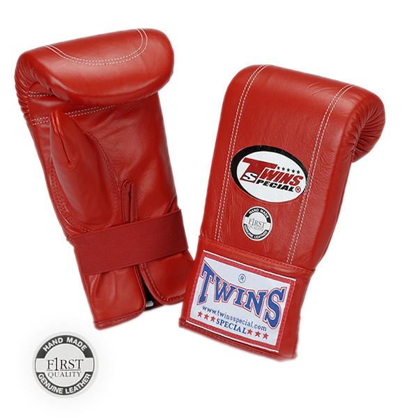 Перчатки снарядные на резинке, Размер S Twins SpecialCнарядные перчатки<br>Отлично годятся для тренировки на снарядах<br> Отверстие для большого пальца в целях улучшения вентиляции<br> Идеальное соотношение цена-качество<br> Ручная работа<br> Натуральная кожа наивысшего качества<br> Закрытый большой палец<br> Крепление - резинка<br><br>Цвет: Черные