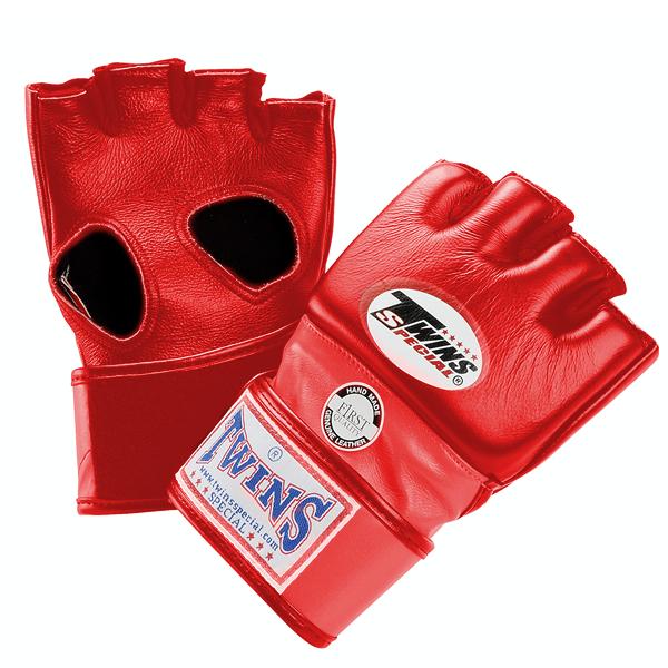 Перчатки ММА на липучке, Размер XL Twins SpecialПерчатки MMA<br>Подходят для интернациональных соревнований MMA<br> Ручная работа<br> Натуральная кожа наивысшего качества<br> Наполнитель из плотной пены<br> Открытая ладонь<br><br>Цвет: Синий