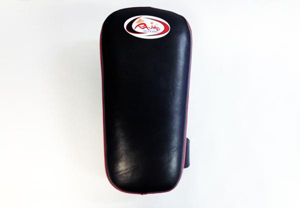 Макивара - 1шт, Размер S RajaЛапы и макивары<br>Имеет добавленный замок для руки и верхний держатель<br> Удобные застежки на липучках<br> Легко одевается<br><br>Цвет: синий/красный