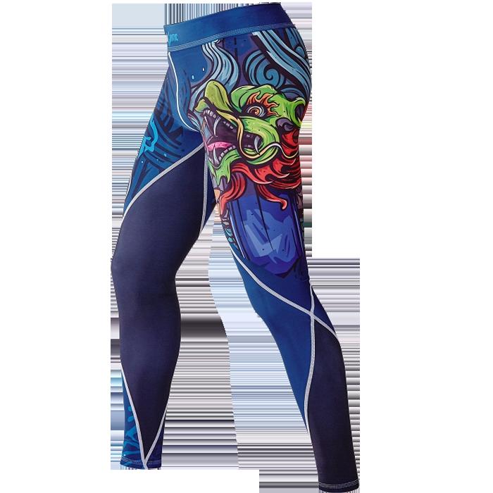 Компрессионные штаны Ground Game Irezumi Ground GameКомпрессионные штаны / шорты<br>Компрессионные штаны Ground Game Irezumi. Леггинсы Ground Game предназначены для грепплинга, MMA(смешанных единоборств), кроссфита, бега. Также надеваются как дополнительная защита под штаны от ги или шорты. Компрессия этих штанов способствует кровотоку, тем самым повышается мышечная производительность. Штаны защитят вас от мелких травм, таких как царапины, ссадины, ожоги при работе на матах. Также леггинсы защищают от микробов. Компрессионные штаны Ground Game сделаны из смеси спандекса и полиэстера. Ткань достаточно прочная и быстросохнущая, что позволит вам использовать леггинсы регулярно. Уход: Машинная стирка в холодной воде, деликатный отжим, не отбеливать!<br><br>Размер INT: XL