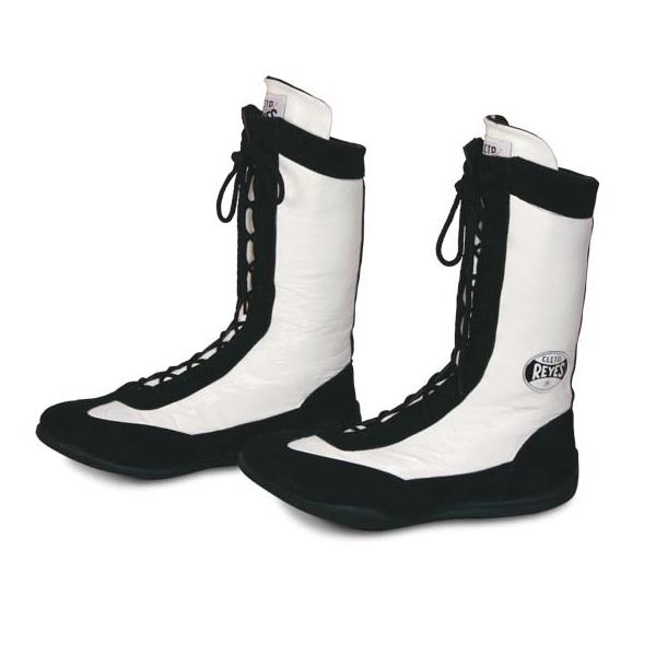 Боксерки высокие, Чёрно-белые Cleto ReyesБоксерки<br>Изготовлены из первоклассной кожи и замши<br> Полиуритановые стельки и специальная конструкция подошвы смягчает ударную нагрузку на суставы<br> Идеально сидит на ноге<br><br>Размер INT: Размер 41